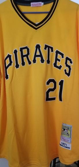 buy popular 5afe4 dfd28 Roberto Clemente Pittsburgh Pirates Baseball Jerse NWT